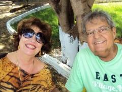 Empresário Edgar Atallah, em pose especial com sua esposa, Rita Atallah