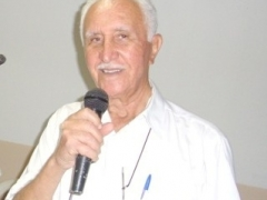 Dr. Daphnis Oliveira