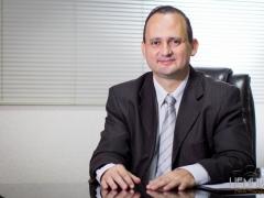 Advogado e Diretor da Faculdade Cathedral, Sandro Saggin