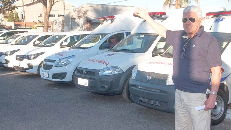 ARAGARÇAS – Prefeitura mostra 10 veículos 0 km